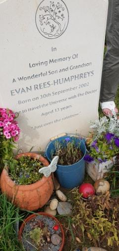 Ev's Gravestone